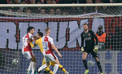 Slavia Prague 1-2 Barca: Đả bại Slavia Prague, Barca ung dung đứng đầu bảng F