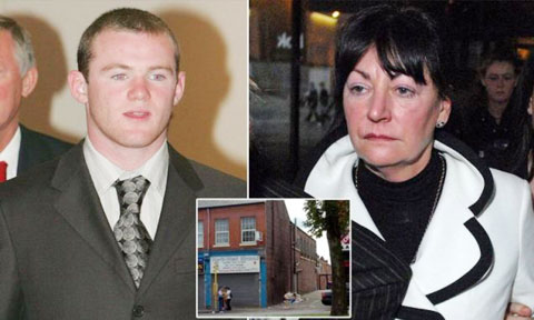 """""""Bà"""" Patricia Tierney mua vui cho Rooney khi đã 48 tuổi"""