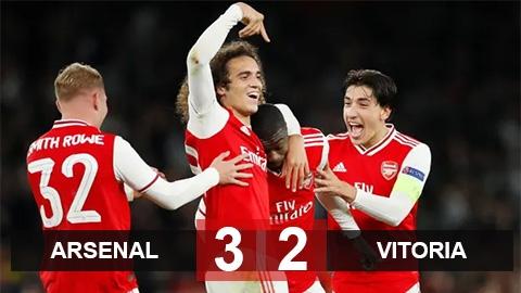 Arsenal 3-2 Vitoria: Pepe tỏa sáng, Arsenal nối dài mạch thắng