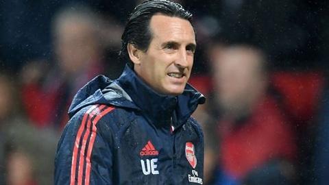 Arsenal: Unai Emery vẫn luẩn quẩn trong sự tù túng