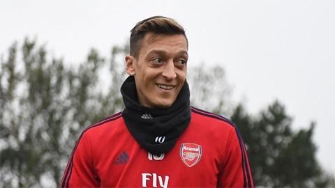 """Emery: """"Loại Oezil là quyết định của toàn đội"""""""