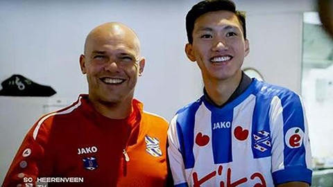 """HLV Heerenveen: """"Văn Hậu sẽ có cơ hội ra sân vào năm sau"""""""