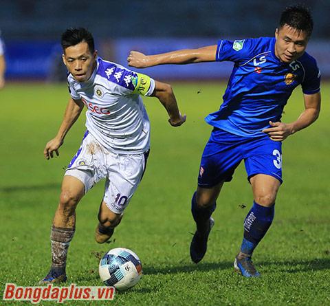 Văn Quyết nổ súng giúp Hà Nội FC vô địch Cúp Quốc gia - Ảnh: Đức Cường