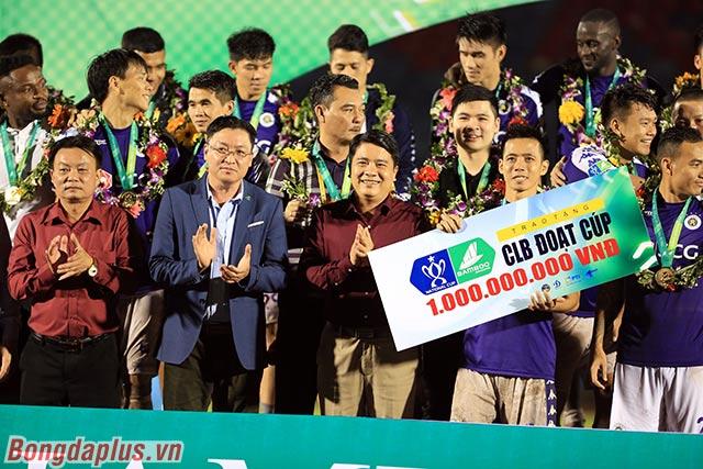 Hà Nội FC được thưởng 1 tỷ đồng và lần đầu vô địch Cúp Quốc gia