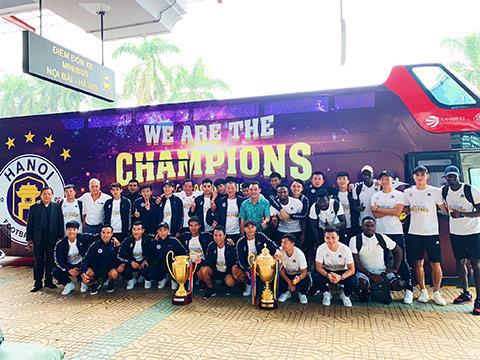 Với cúp vô địch V.League và cúp Quốc gia, Hà Nội FC là nhà vô địch Việt Nam tuyệt đối