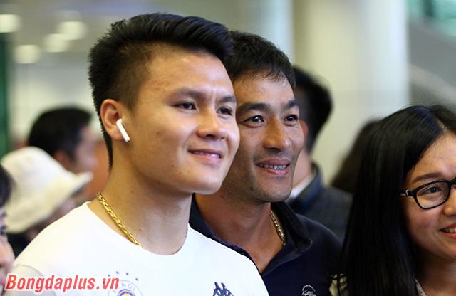 Như thường lệ, Quang Hải nhận được sự quan tâm của người hâm mộ bóng đá