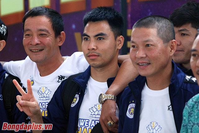 Một cầu thủ khác là Đức Huy cũng để ngỏ tương lai. Anh đã cùng Hà Nội FC vô địch V.League 3 lần và giành một Cúp Quốc gia