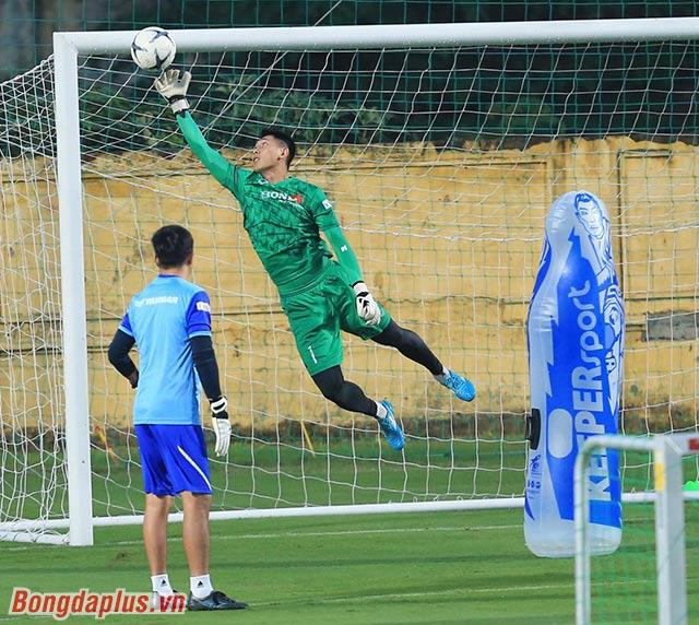 Hôm nay, đội tuyển Việt Nam có đầy đủ cả 3 thủ môn để tập luyện