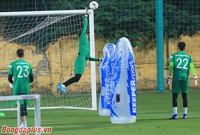 Sau 3 lượt trận, Việt Nam mới chỉ để thủng lưới đúng 1 lần