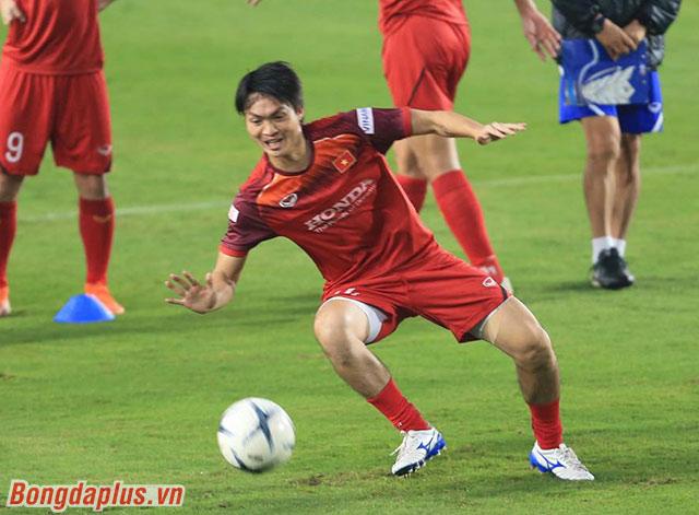 Chiều ngày 2/11, đội tuyển Việt Nam có buổi tập tiếp theo chuẩn bị cho 2 lượt trận ở vòng loại World Cup 2022 gặp UAE (14/11), Thái Lan (19/11)