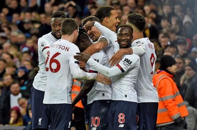 Liverpool đang trở nên quen thuộc với những chiến thắng muộn đầy cảm xúc