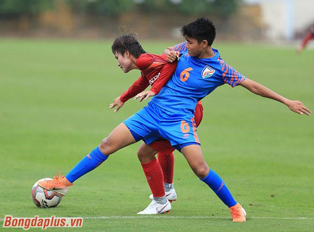 Chiều ngày 3/11, ĐT nữ Việt Nam đã thi đấu giao hữu với Ấn Độ tại Trung tâm đào tạo bóng đá trẻ Việt Nam (Hà Nội).