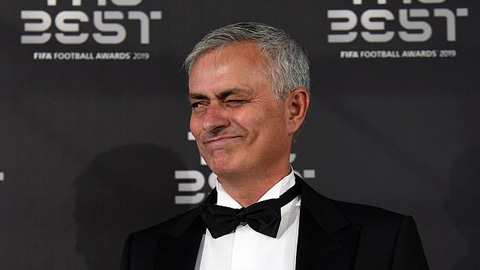 Arsenal phủ nhận việc sếp lớn ăn tối cùng Mourinho