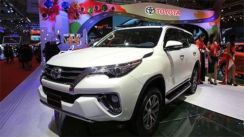 Toyota Fortuner 2019, Mitsubishi Pajero, Nissan Terra giảm giá hơn 100 triệu đồng