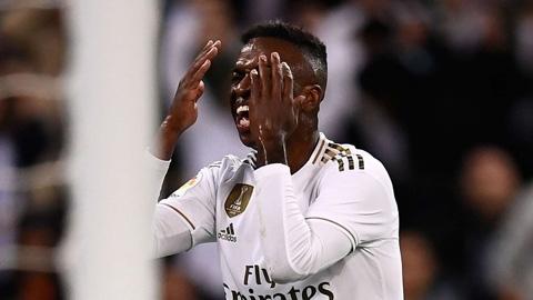 Tỉnh dậy đi Real Madrid, nhà bao việc!