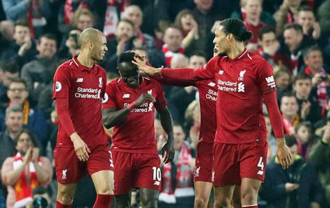 Liverpool vs Genk, 03h00 ngày 6/11: Tập nhẹ trước đại chiế