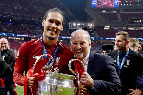 Cuộc cách tân của Peter Moore đã mang về cho Liverpool chiếc cúp Champions League danh giá