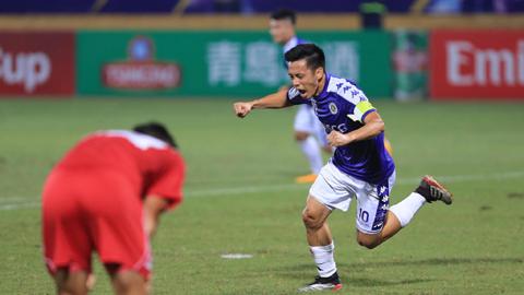 Văn Quyết không thể có lần thứ 2 liên tiếp giành danh hiệu cầu thủ xuất sắc nhất V.League - Ảnh: Đức Cường