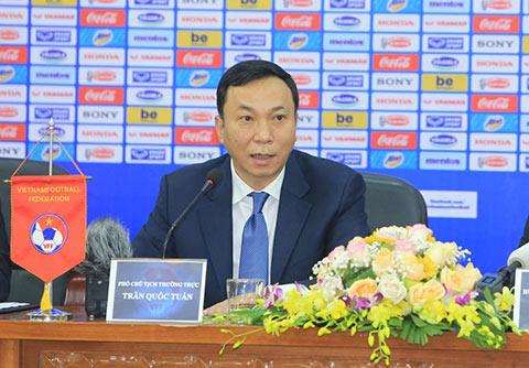 Phó Chủ tịch Trần Quốc Tuấn chia sẻ về quá trình đàm phán với HLV Park Hang Seo - Ảnh: Đức Cường
