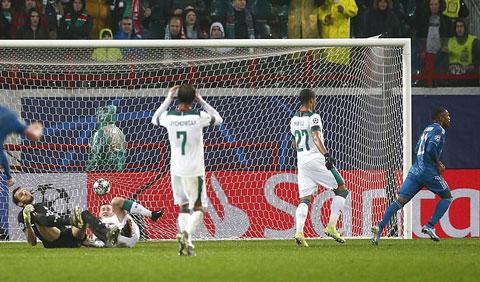 Costa mang về bàn thắng ấn định tỷ số 2-1 cho Juve