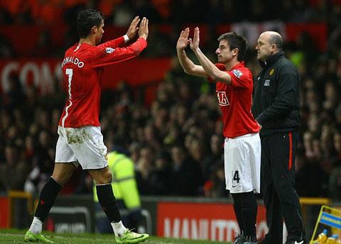 Khoảnh khắc Tosic có màn ra mắt Man United