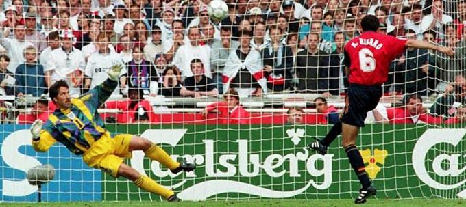 3. Fernando Hierro - 163 bàn thắng