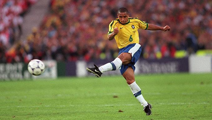 8. Roberto Carlos - 113 bàn thắng