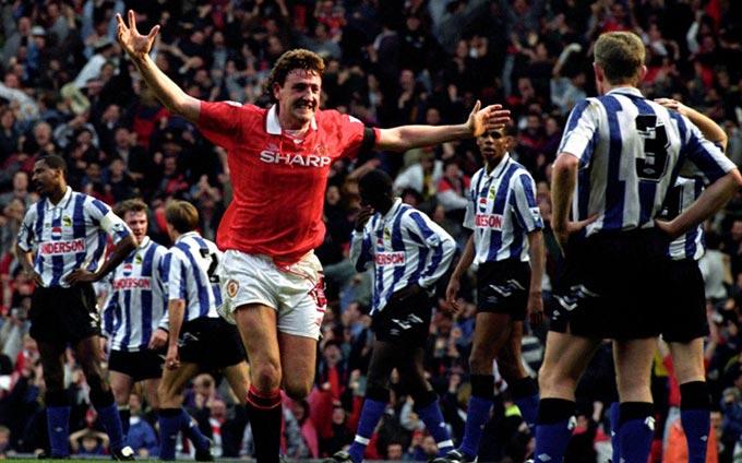 6. Steve Bruce - 113 bàn thắng