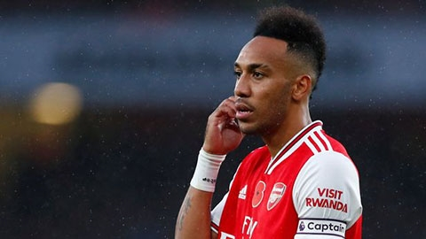 Barca âm thầm quan tâm 'siêu sát thủ' của Arsenal