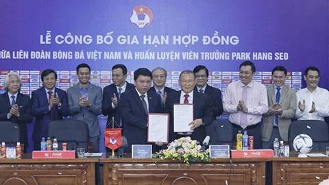 HLV Park Hang Seo chính thức gắn bó với bóng đá Việt Nam thêm 3 năm