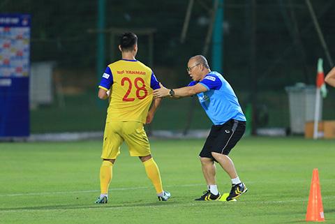 Thầy Park ngoài chuyên môn thì cũng như người cha tinh thần của các tuyển thủ