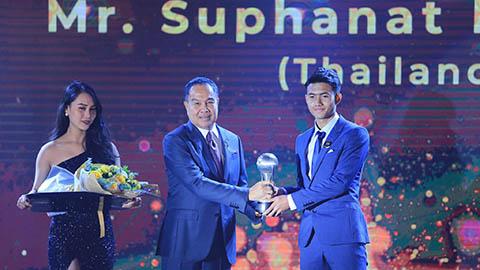 Vắng Suphanat Mueanta vì AFF Awards, U19 Thái Lan thua sốc Campuchia