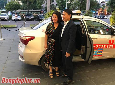 Bố mẹ Quang Hải đến dự sự kiện - Ảnh: Đức Cường