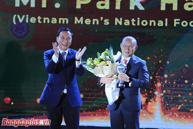 Ông Park Hang Seo là HLV của năm - Ảnh: Đức Cường