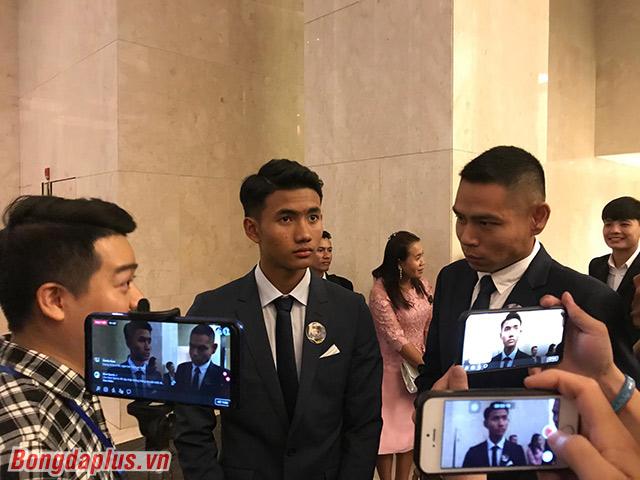 Suphanat bất ngờ khi được đề cử là Cầu thủ trẻ xuất sắc nhất khu vực - Ảnh: Đức Cường