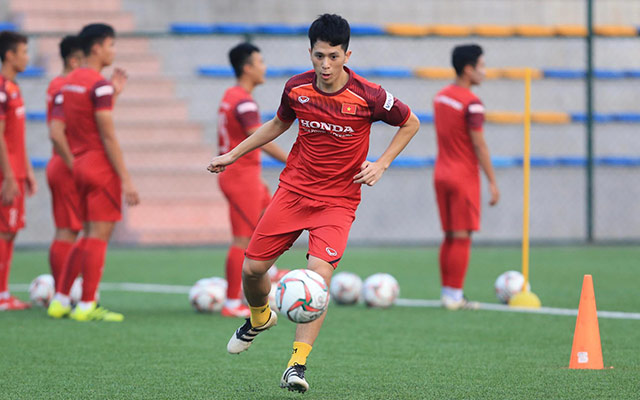 Theo chia sẻ của bác sỹ Choi, Đình Trọng đang có sự hồi phục thần tốc. Trung vệ này được kỳ vọng sẽ kịp bình phục để quay trở lại thi đấu ở SEA Games 30