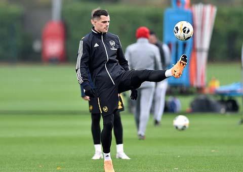 Xhaka đang mất chỗ đứng ở Arsenal