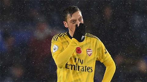 Oezil gây sốc với hàng loạt thống kê trong trận Arsenal thua Leicester