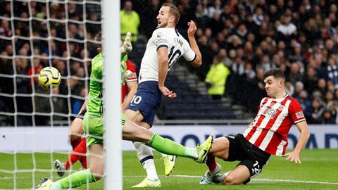 Kane và các đồng đội tiếp tục đánh rơi chiến thắng