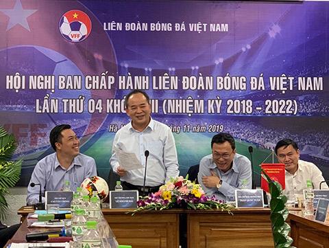 Ông Lê Khánh Hải - Thứ trưởng Bộ VH, TT& DL, Chủ tịch VFF phát biểu tại Hội nghị