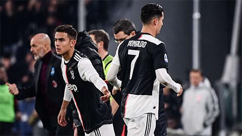 Ronaldo tỏ rõ sự bực tức khi bị thay ra