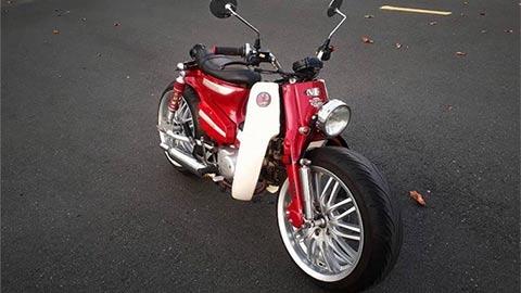Sốc với Honda Super Cub 82 độ bánh ô tô siêu chất động cơ của Wave Alpha