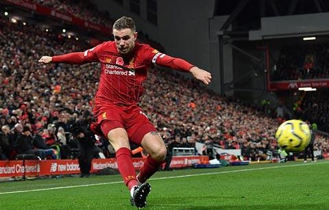 Henderson với tình huống lật vào trong cho Mane ghi bàn