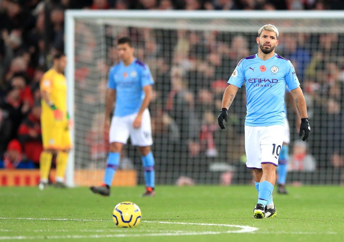 Aguero vẫn rất vô duyên ở Anfield