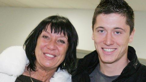 Robert Lewandowski: Nên nghiệp nhờ mẹ không rành… bóng đá