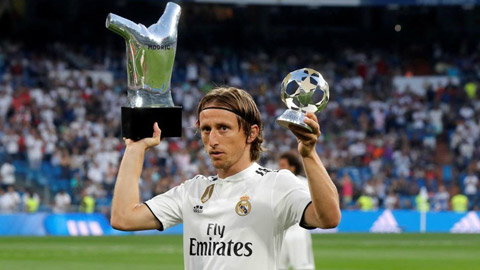 Sau Quả bóng Vàng, Modric nhận giải thưởng Bàn chân Vàng