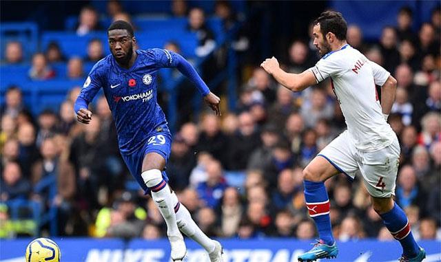 Fikayo Tomori đang là chốt chặn đáng tin cậy của Chelsea