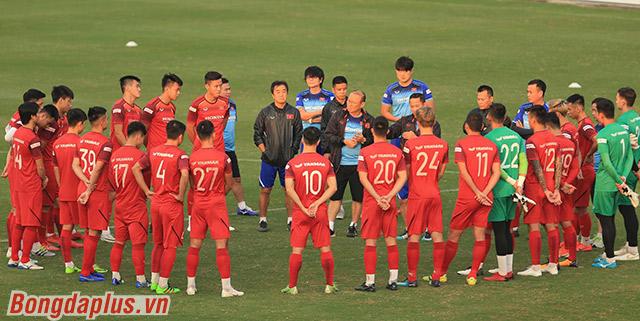 2 ngày trước trận đấu với UAE ở vòng loại World Cup 2022, đội tuyển Việt Nam bước vào tập luyện tại sân Trung tâm đào tạo bóng đá trẻ Hà Nội