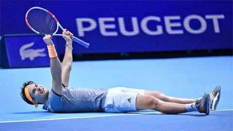 Hạ Djokovic, Thiem đoạt vé bán kết ATP Finals