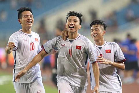 Văn Hậu (giữa) không thể tham dự VCK U23 châu Á 2020